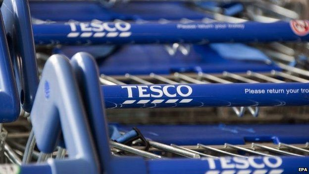 Tesco profits plunge as revival struggles | BBC News