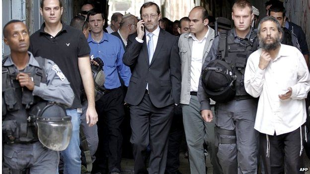 Israeli MP Moishe Feiglin with entourage after visiting the Dome of the Rock compound (02/11/14)