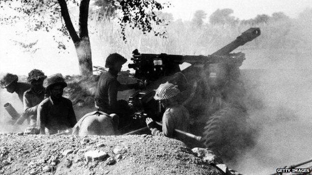 Indian troops fire on Pakistani positions during the 1971 war of independence