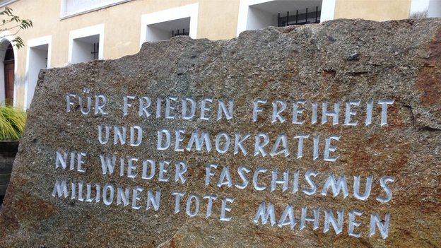 Memorial stone, Braunau