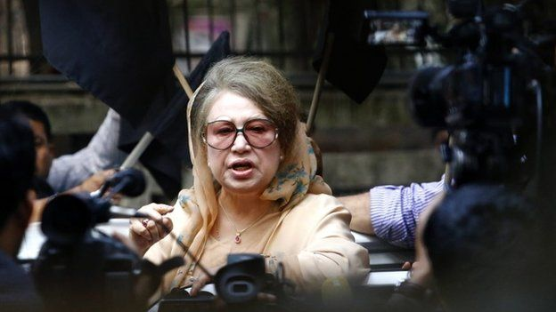 Bangladesh Nationalist Party (BNP) leader and former Prime Minister Khaleda Zia speaks to journalists from inside her office on Monday (05 January 2014)