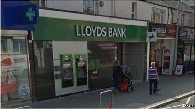 lloyds tsb bank cardiff