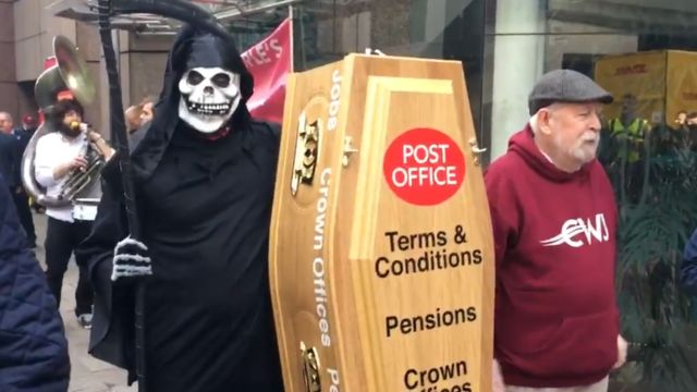 Post Office strike to disrupt Christmas mail, says union