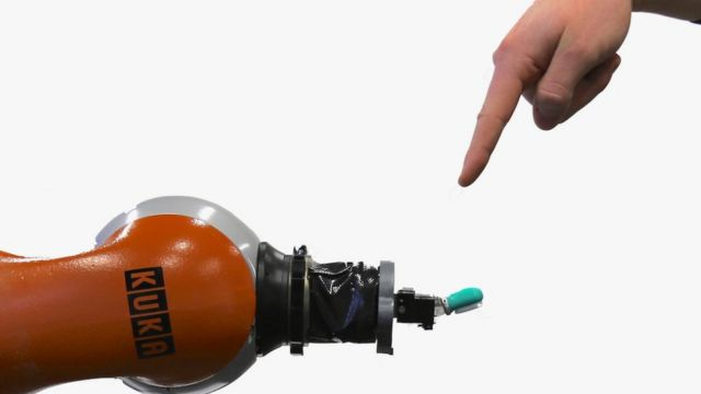 Researchers teach robots to 'feel pain'