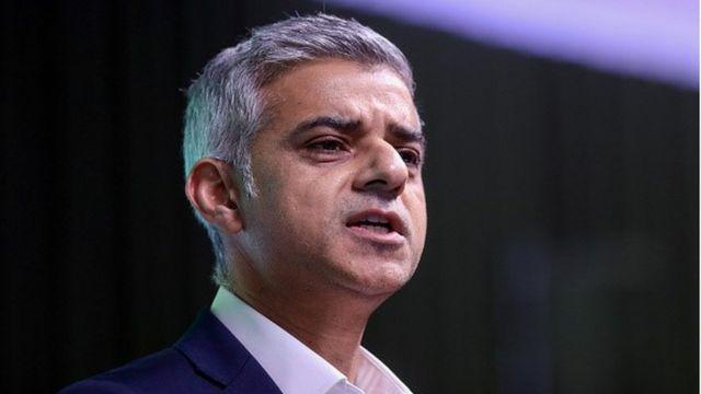 Hard Brexit 'could rip country apart', Sadiq Khan warns