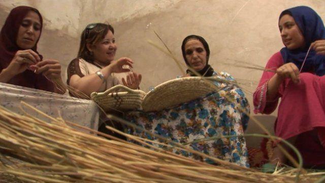 Wafa Zerrouki with women basket weavers