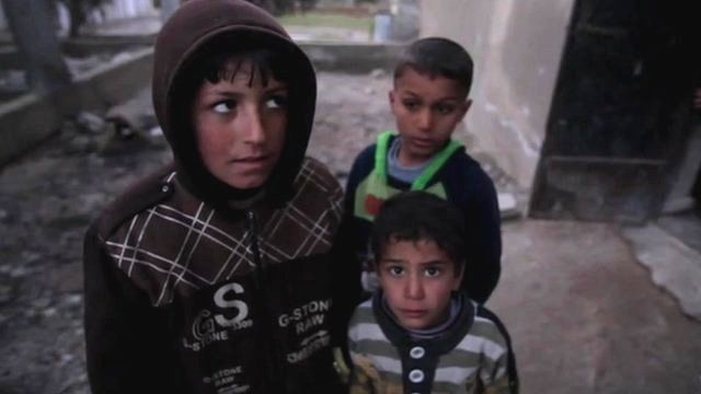 Refugees from Homs - these children do not know where their father is