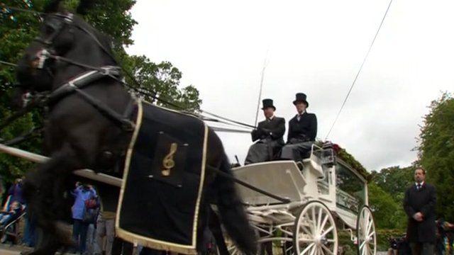 Robin Gibb's funeral cortege