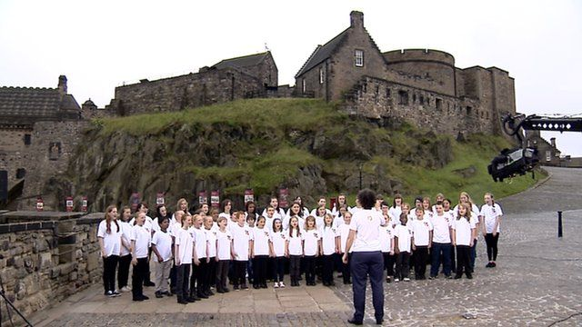 The Big Breakthrough Choir sing in front of Edinburgh Castle