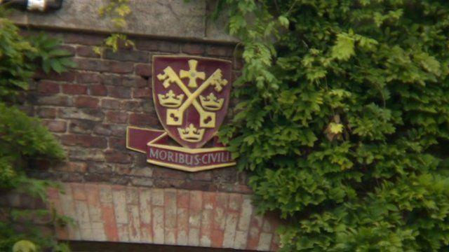 Kings School Tynemouth crest