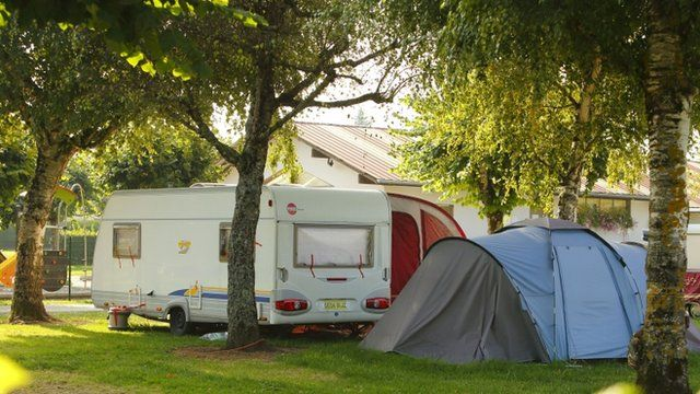 Caravan and tent used by al-Hilli family