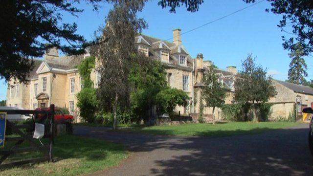 Barton Seagrave Hall
