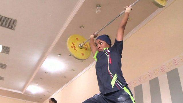 An Iraqi female weightlifter