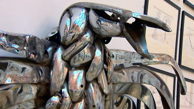 Eagle sculpture by George Wyllie