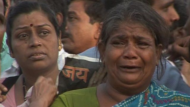 Women mourning Bal Thackeray in Mumbai park