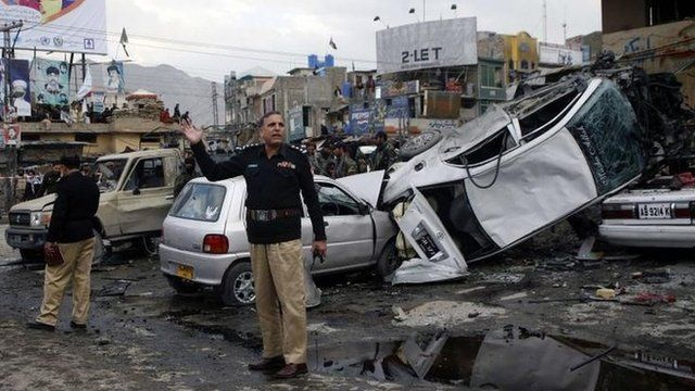 Scene of bomb blast in Quetta, 10 January