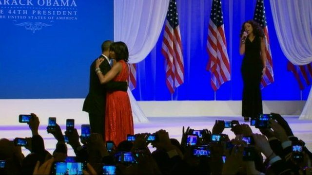 Jennifer Hudson singing as President Obama and First Lady dance