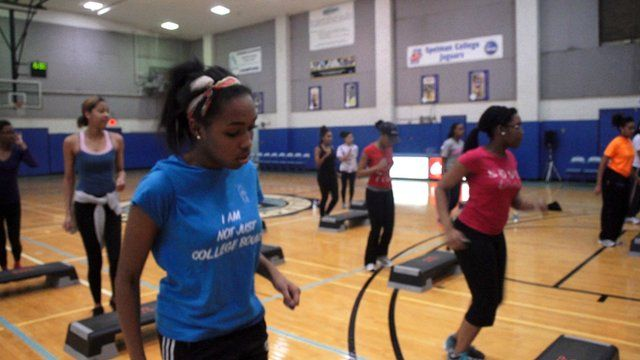 Spelman College students in fitness class