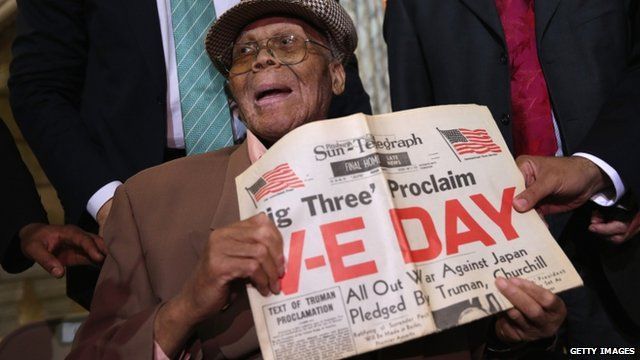 WWII veteran Willie Wilkins at a ceremony in Newark, New Jersey