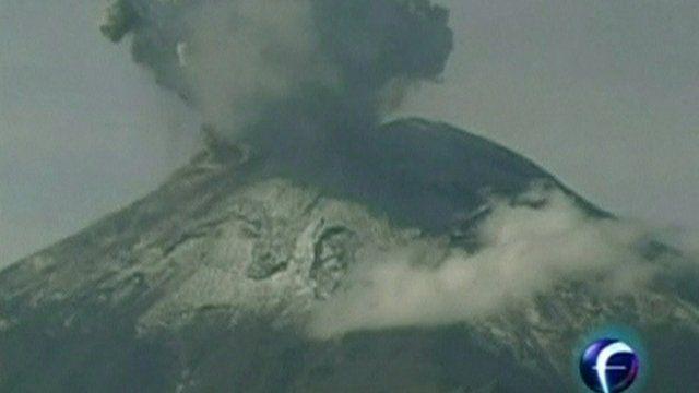 Popocatepetl spewing smoke
