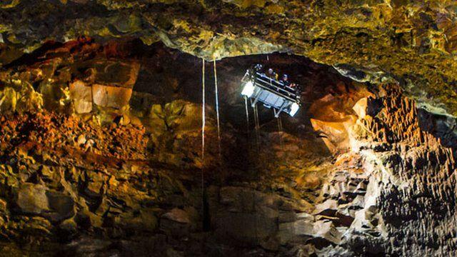 Inside the Thrihnukagigur volcano