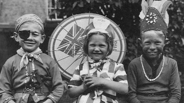 Peter Whitcomb (right) and Brenda Nurcombe with their brother Michael (left)