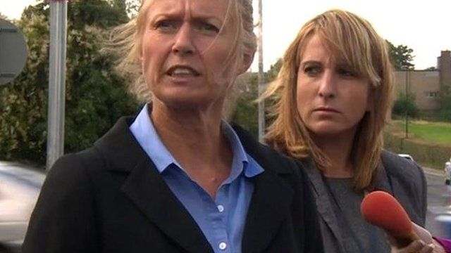 Detective Inspector Helen Tate (left)