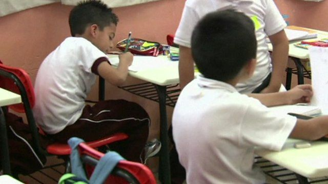 Children in a classroom in Mexico