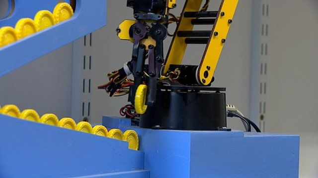 Robot playing Connect 4
