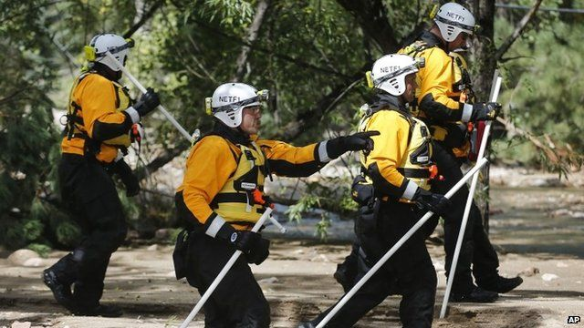 Rescue teams in Colorado