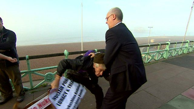 Iain Dale in a scuffle with a man on Brighton seafront