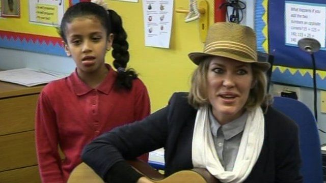Cerys Matthews rehearsing with school children ahead of the concert