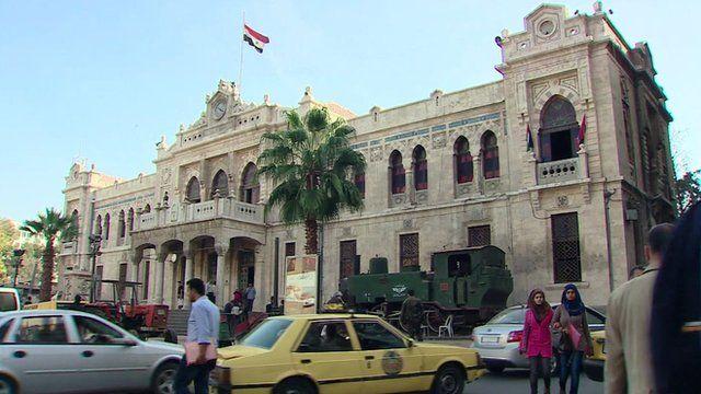 Damascus building hit in blast