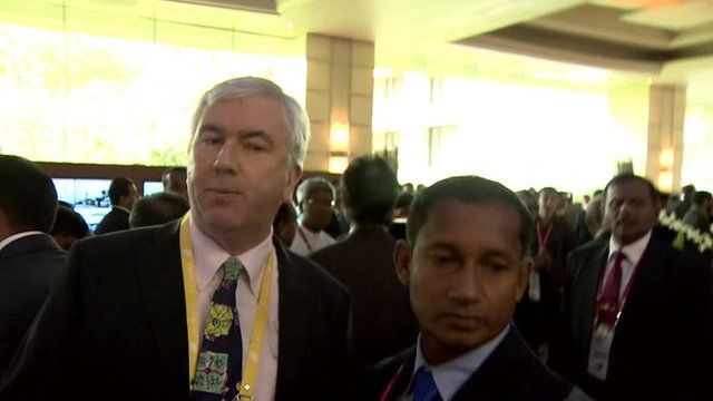 The BBC's James Robbins and a Sri Lankan security official