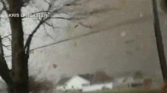 Tornado approaches