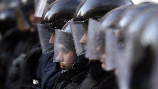 Police defend Ukraine parliament