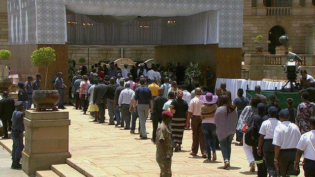 Crowds gather at Union Buildings in Pretoria
