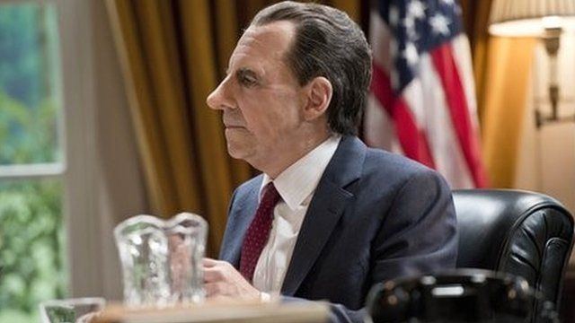 Harry Shearer playing Nixon