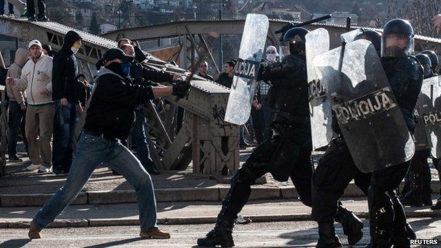 Protesters clash with police in Sarajevo