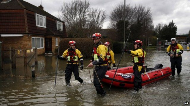 Rescue team in Staines-upon-Thames