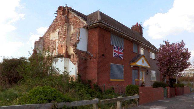 Charlie Wilson's stranded house