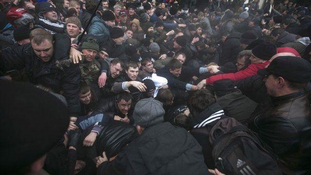Clashes in Simferopol