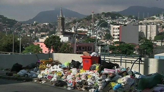Rubbish on a street in Rio