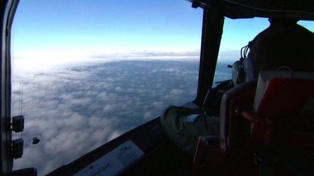 Pilot scours southern Indian Ocean for missing Malaysian plane