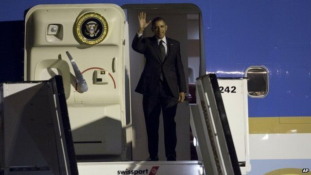 President Obama disembarking Air Force One