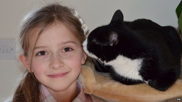 Cat Saves Life Of Diabetic Girl