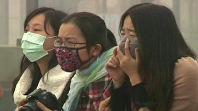 Shanghai women in masks
