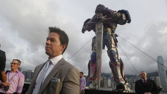 Mark Wahlberg and a transformer