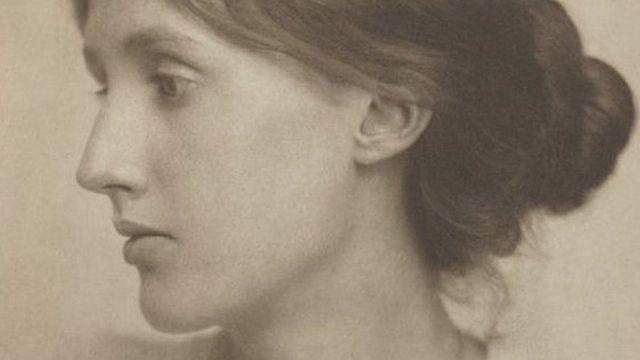 Virginia Woolf photographed in 1902