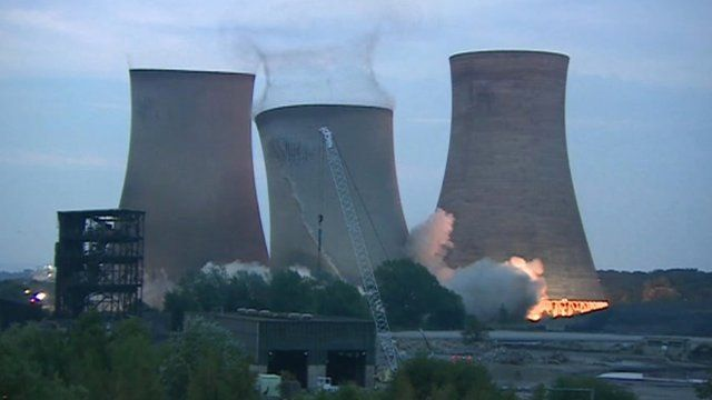 Cooling Tower Demolition : Didcot power station demolition caught on camera bbc news